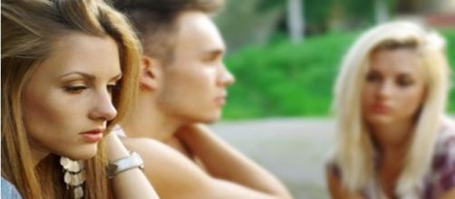 Como descobrir se seu namorado está lhe traindo