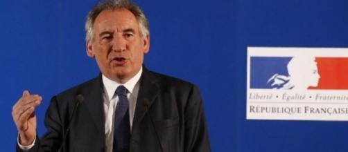 François Bayrou veut-il moraliser à tous les étages politiques ??- challenges.fr