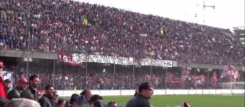 La curva sud di Salerno, gremita di tifosi