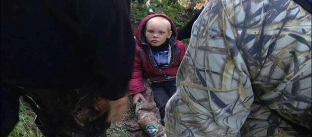 Devido ao trauma, menino não consegue falar. Polícia tenta descobrir como ele sumiu (The Siberian Times)