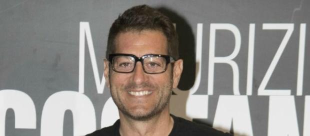 Enrico Papi potrebbe lasciare Mediaset?