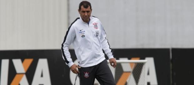 Fábio Carille pode perder alguns jogadores do seu elenco (Foto: Daniel Augusto Jr. / Ag. Corinthians)