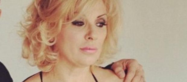 Tina Cipollari in lacrime - velvetgossip.it