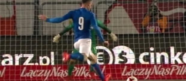 Un giocatore della Nazionale under 21 in azione