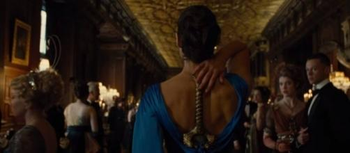 A one-off scene from 'Wonder Woman' is now a memetic fashion statement. / from 'Cheatsheet' - cheatsheet.com