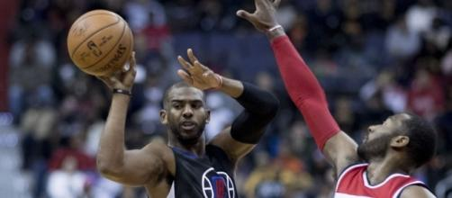 L.A. Clippers star Chris Paul will talk to at least three teams besides his current one during free agency. [Image via Keith Allison/Flickr]