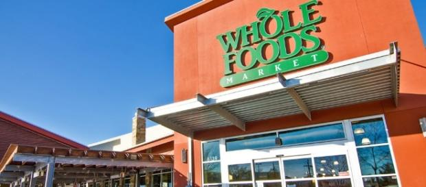Amazon will buy the organic food retailer WholeFoods