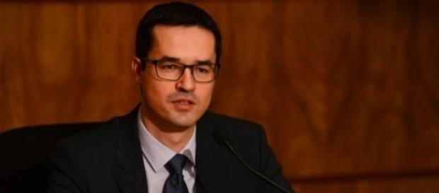 Deltan Dalagnol usa seu Twitter para falar do governo Temer