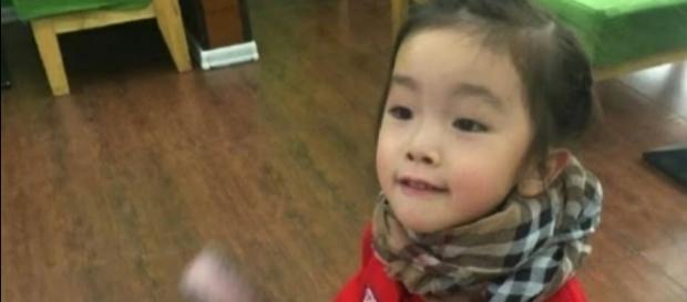 Guo Jintong, de 6 anos, morreu após professor coloca fita adesiva em sua boca