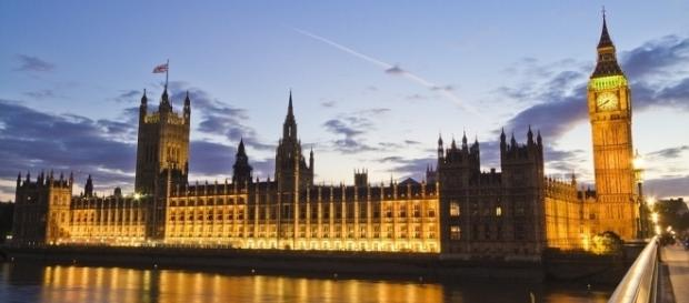 Photo of the Houses of Parliament London by skeeze / CC0