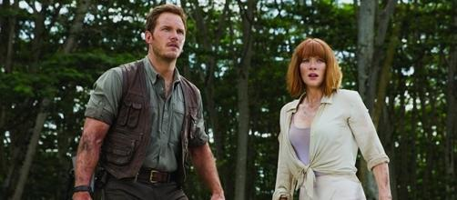 """Chris Pratt and Bryce Dallas Howard starred in the 2015 hit, """"Jurassic World."""" (image source Blasting News library)"""