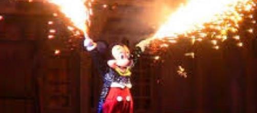 Disney's Fantasmic Finale with Mickey via Flickr