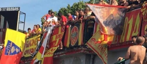 I tifosi del Lecce nella gara di Alessandria.