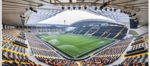 """Lo stadio """"Dacia Arena"""" di Udine - foto wikipedia CC0"""