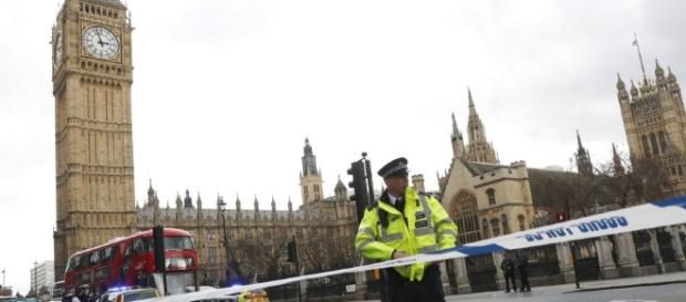 IN PICTURES: Terror attack at UK parliament - International ... - jpost.com