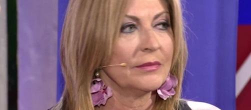 La madre de Alejandro Albalá, hundida tras la reconciliación de su ... - diezminutos.es