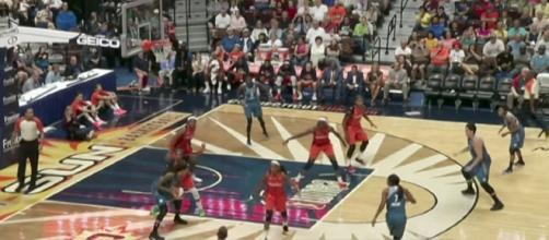 The Connecticut Sun stopped Minnesota's nine-game winning streak on Saturday night. [Image via WNBA/YouTube]