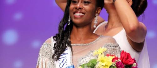 The crowning of Miss West Virginia 2017 Tamia Hardy - Photo © Joe Whiteko; used by permission.