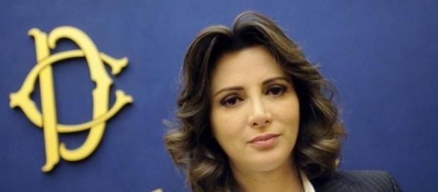 Anna Falcone, insieme a Tomaso Montanari autrice dell'appello per una Sinistra unita senza il Pd di Renzi