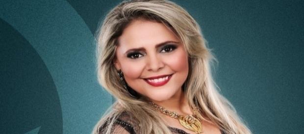 Morre em acidente de carro a cantora Elizia Clivia