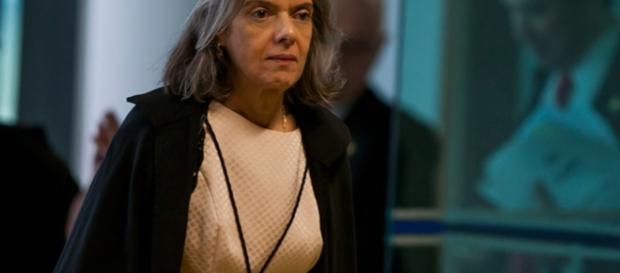 Presidente do STF Cármen Lúcia teria atuado de modo diferente em relação a dois ministros da Corte