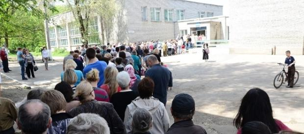 "Voting during the May 11, 2014 referendum held in the ""so-called"" Donetsk People's Republic / Andrew Butko, Wikimedia Commons CC BY-SA 3.0"