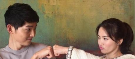 """Descendants of the Sun"" stars Song Joong-Ki and Song Hye-Kyo (via Instagram)"