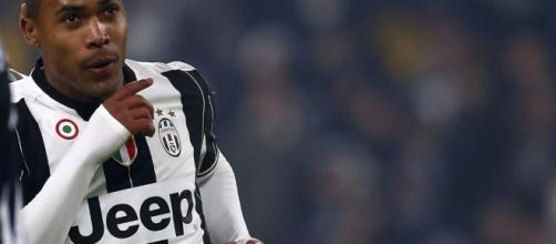 Alex Sandro, probabile partenza da Torino