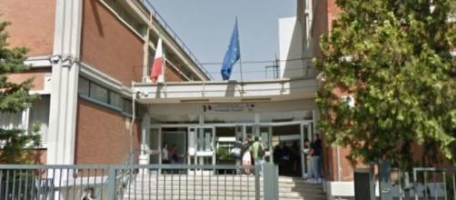 Bari, ladri in azione negli istituti scolastici Panetti e Perotti