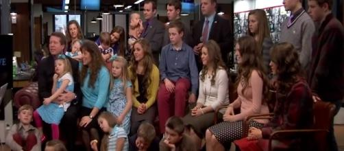 Jim Bob & Michelle Duggar's Family / Photo via HuffPost , YouTube
