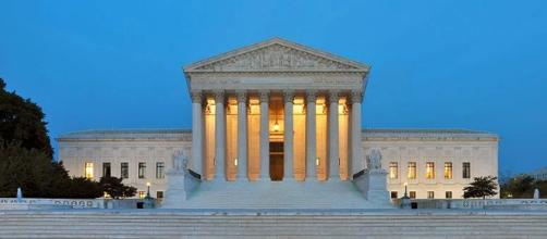 Panorama of the west facade of United States Supreme Court Building at dusk in Washington/ photo by Joe Ravi CC-BY-SA 3.0