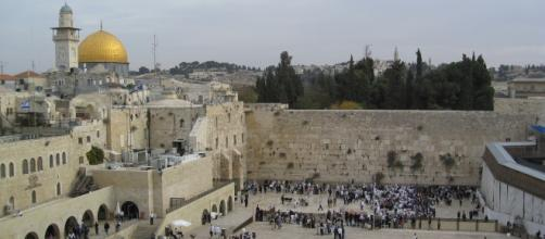"Source: Flickr | ""Jerusalem, Western Wall"" by Chris Yunker (filed under Creative Commons)"