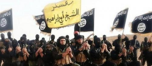 Terrorismo: arrestato a Crotone un 29enne iracheno reclutatore dell'Isis