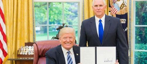 Trump and Pence photo by Shealah Craighead [Public domain], via Wikimedia Common