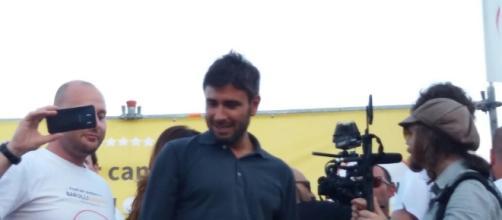 Un comizio dei 5 stelle in Puglia prima del ballottaggio