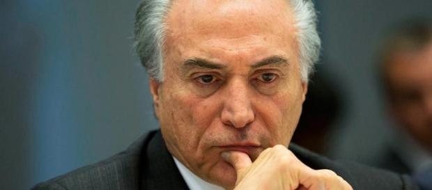Michel Temer envia resposta à modelo brasileira