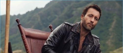 """Alex O'Loughlin treats fans to a visual feast with his Watch Magazine photo shoot while """"Hawaii Five-O"""" is on summer break. --personal screenshot"""