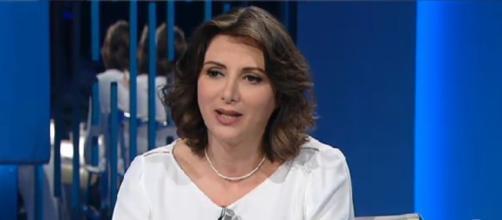 Anna Falcone parla di crisi della politica e della necessità di un 'quarto polo'