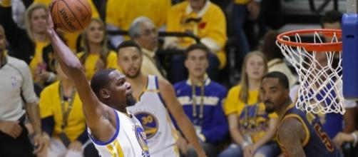 Durant, Warriors' dominant in 2017 NBA Finals Game 1 - USA Today Sports - usatoday.com