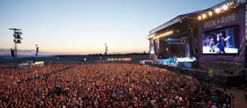 Germania: concerto Rock am Ring interrotto causa minaccia terrorismo.