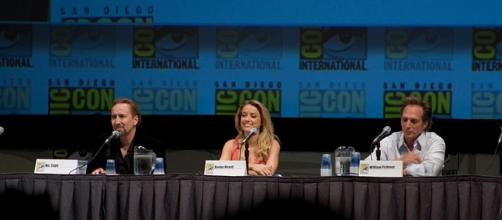 (L-R) Nicolas Cage, Amber Heard and William Fichtner at San Diego 2010 Comic-Con International. (Wikimedia Commons)