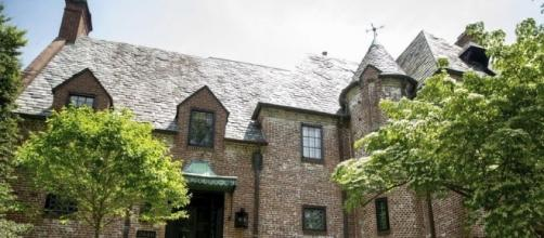 Obamas just bough house they were renting in the DC neighborhood - Photo: Blasting News Libray - dailyjournal.net