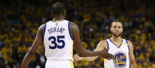 Stephen Curry and Kevin Durant of the Golden State Warriors (Via - Blasting News library)