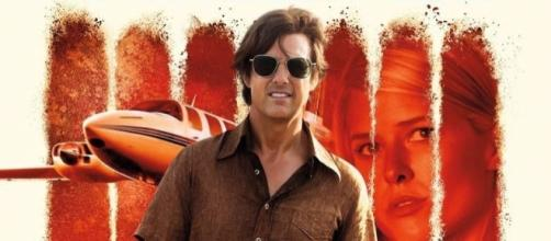 Tom Cruise como Barry Seal, en 'American Made' (via impawards.com)