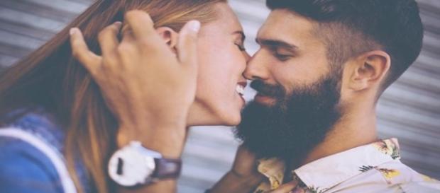 Alguns sinais claros de que ele quer lhe beijar