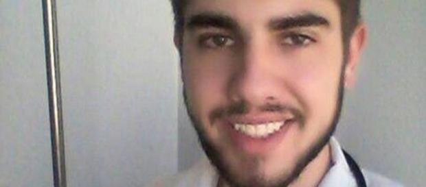 Jovem foi detido tentando se passar por médico em Santa Catarina. Foto: Reprodução/Jornal Extra