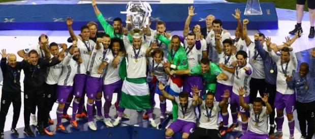 Madrid holding up the Champions League Cup - hindustantimes.com
