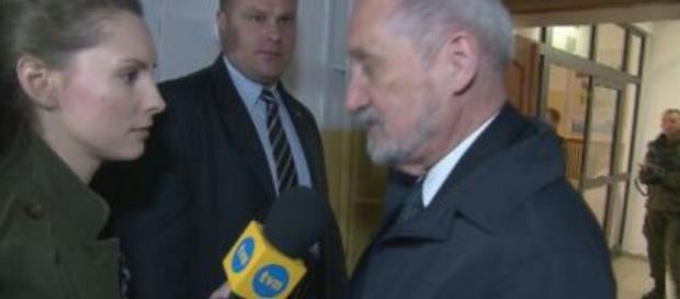 Minister Obrony Narodowej Antoni Macierewicz (źródło: facebook.com)