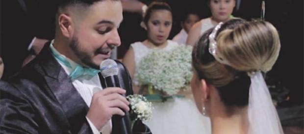 Noivo admite que ama a enteada e faz discurso emocionante (Foto: Facebook)