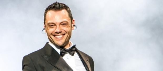 """Tiziano Ferro-Lo stadio"""": serata speciale su Rai 1   TV Sorrisi e ... - sorrisi.com"""